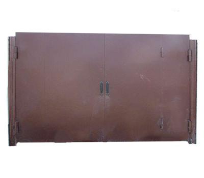 Ворота металлические глухие со встроенной калиткой